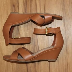 FIONI Clothing Shoes - Tan Wedges
